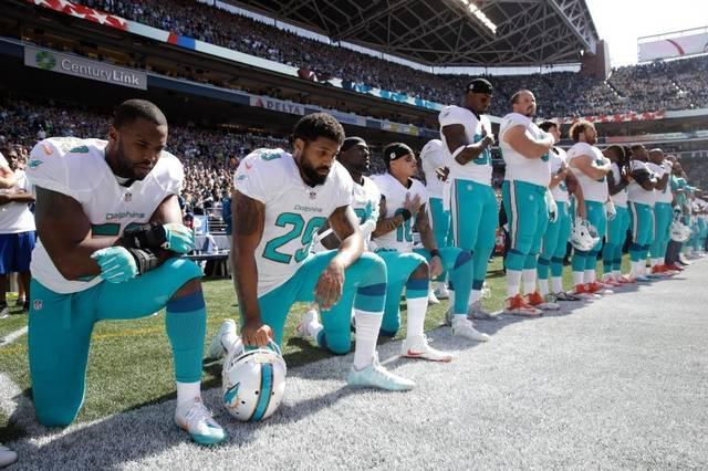dolphins-seahawks-football